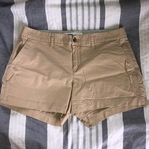 Old Navy khaki short